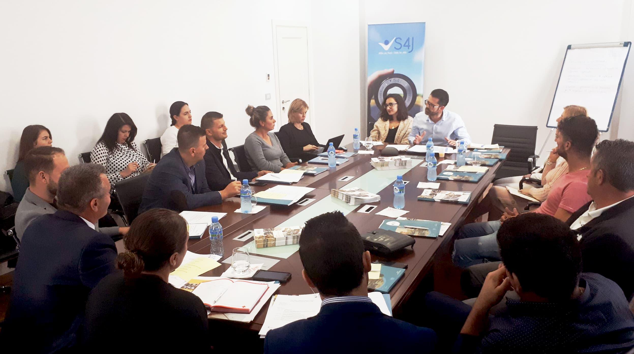 Tryezat vendore të dialogut: Ofruesit e AFP-së takojnë sektorin privat