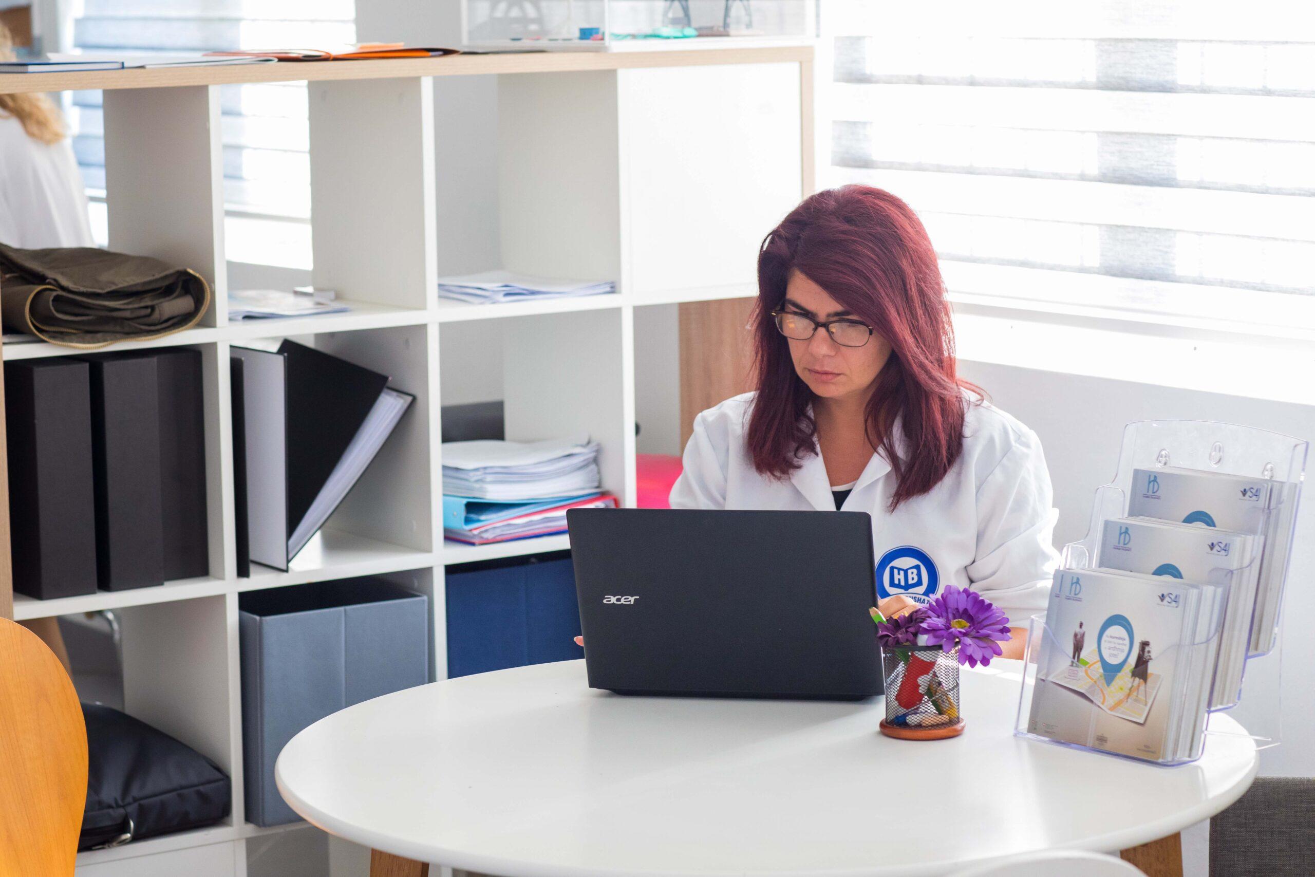 Zhvillimi profesional i mësuesve për mësimin e kombinuar dhe online
